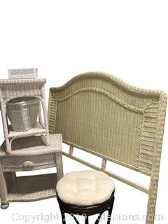 Nice Clean Lot Of Wicker Furniture