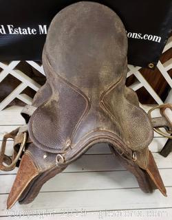 Vtg. Lather English Horse Saddle