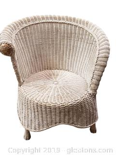 Lovely Vtg. Great Condition Barrel Style Wicker Chair
