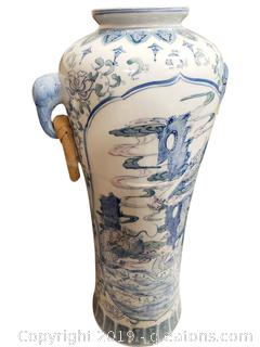 19th Centry Chinese Blue And White Pink URN Vase
