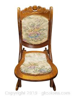Beautiful Victorian Vintage Rocker