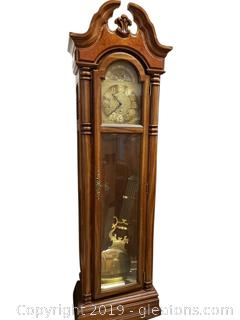 Beautiful Grandfather Clock Pearl