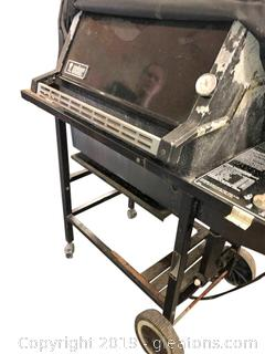 Weber Chair Broil Gas Grill With Side Table