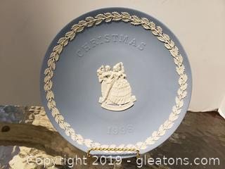 Wedgwood Jasperware Christmas 1998