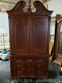 Traditional Queen Ann Cabinet