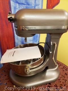 Professional 5 Plus kitchen Aid Mixer
