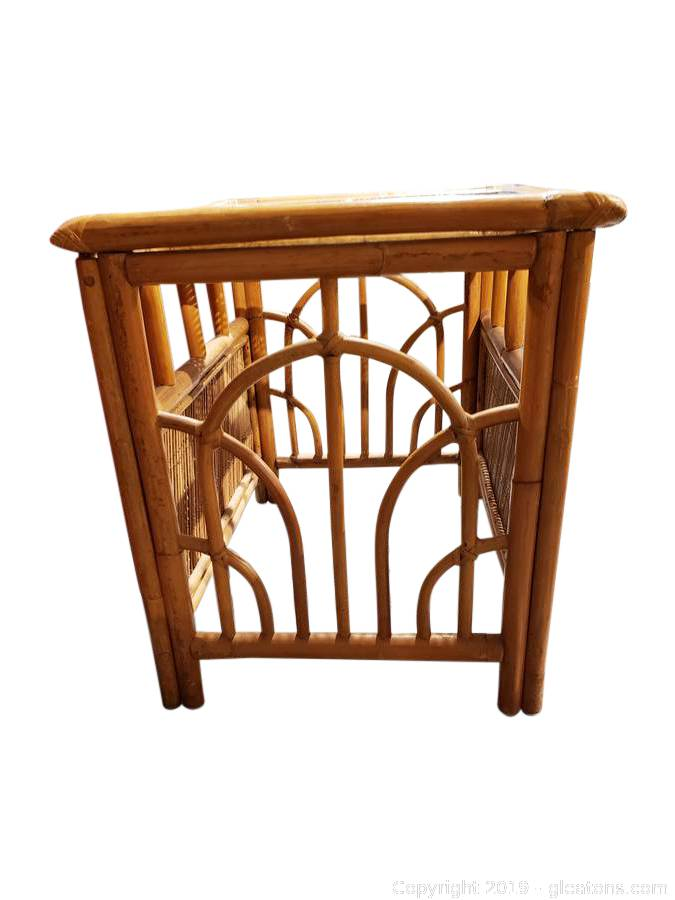 Phenomenal Gleatons The Marketplace Auction Wicker And Mid Century Home Interior And Landscaping Ologienasavecom