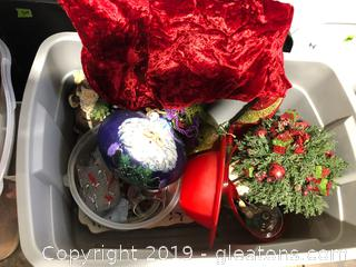 Christmas Decor Lot 1