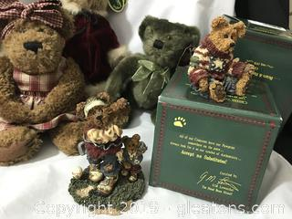 4  plush bears plus 2 miniatures in boxes