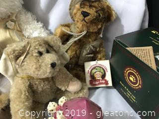 4 Boyd bears, one Teddy Roosevelt 100 anniversary bear 2 resin Boyd bears in boxs