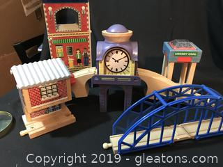 Lot#2 of Thomas accessories, clock tower, Crosby Coal, Train Station, Narramby Salt Co. bridge