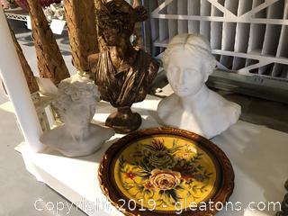 Roman Statues And Pretty Deco