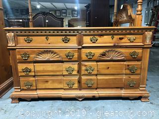 Pulaski Bedroom Dresser