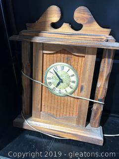 Farmhouse Vintage Wooden Clock