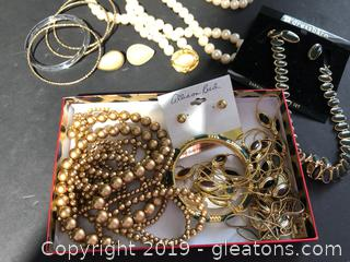 Pretty Goldtone Costume Jewelry