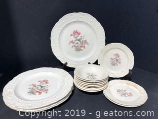 Vintage Porcelain china Made by Washington Colonial