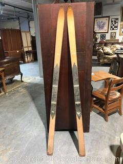 Decorative 1930s Hickory Skis from 1932 Winter Olympics in Lake Placid