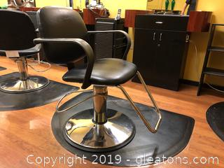 Salon Chair A and Mat