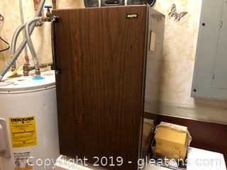 Sanyo Mid Century Refrigerator