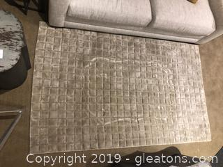 Huntley Collection Platinum Rug