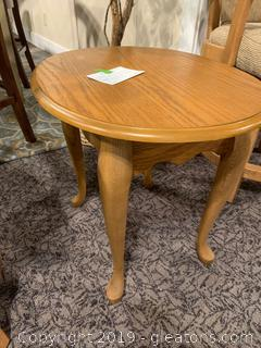 Oval Accent / Side Table