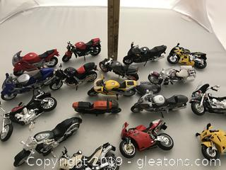 Motorcycle lot made by Maisto