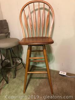 Made by Winners Only Farmhouse bar Chair
