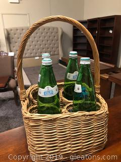 Wicker Wine Basket With handle, for 4 Bottles.