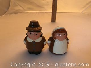 Publix 2004 little sister and Bubba Thanksgiving Pilgrims salt and pepper