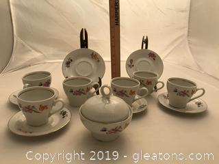 Vintage Lmenau von Henneberg German demitasse cups and saucers