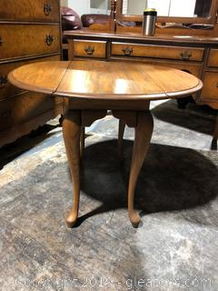 Oak Drop Leaf Occasional Table