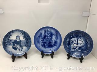 3 1973 Collectors Plates