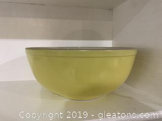 Yellow Pyrex Nesting Bowl 4 qt D