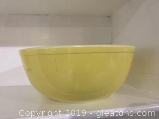 Yellow Pyrex Nesting Bowl 4 qt C