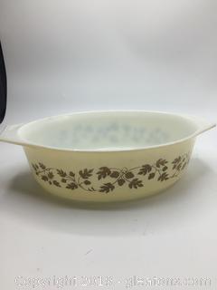 Pyrex Gold Leaf Casserole Dish