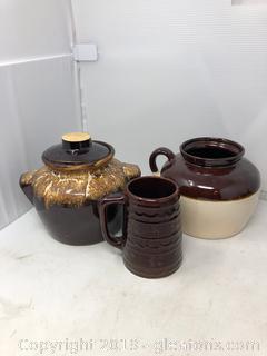 1 Brown Mug USA 1 Jar with  Lid 1 Jar w/ Lid USA