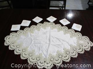 Diamond Oblong Table Runner + 6 Napkins