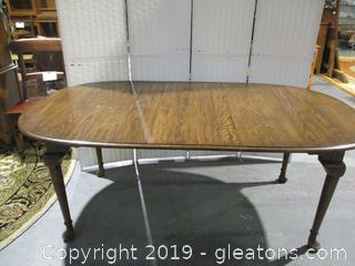 Vintage table W/Leaf Club Feet