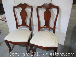 Pair of Thomasville Dinning Chairs From the Winston Court Collection