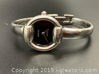 Women Gucci Wrist Watch
