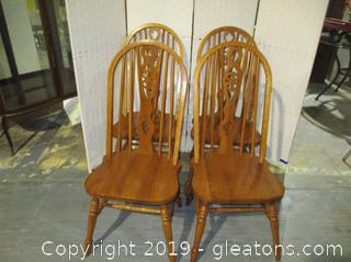Set of 4 Farmhouse Style Chairs B