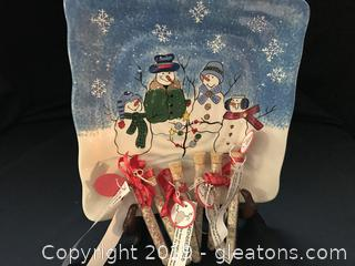 Snowman Square Dish and 6 Bottles of Reindeer Food