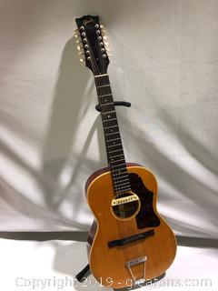 Made by Gibson Signed L.R Boggs Acoustical