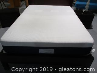 Helix Sleep Full Size Mattress with Full Size Bunky Board