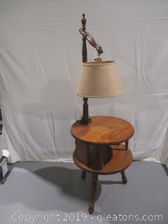 Vintage colonial Revival Accent Table with Lamp