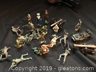 Toy soldiers, Jeep and cannons