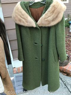 Vintage green coat with mink collar