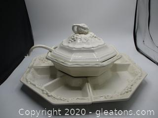 Soup Tureen with Snack Tray
