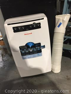 Three in One Humidifer, Fan and Air Condition by Honeywell