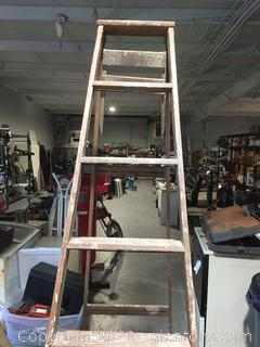 Wood Ladder 8 Feet